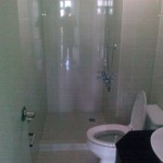 4 - 9DE 2nd Bathroom
